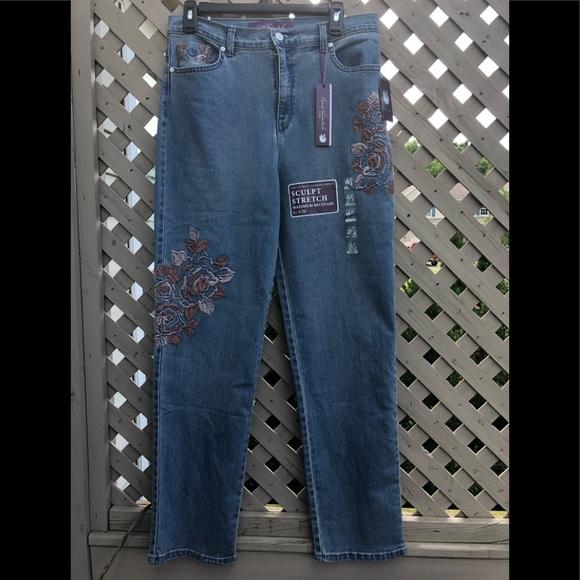 88dfcce1c603cb Gloria Vanderbilt Jeans | Nwt Amanda Embroidered | Poshmark